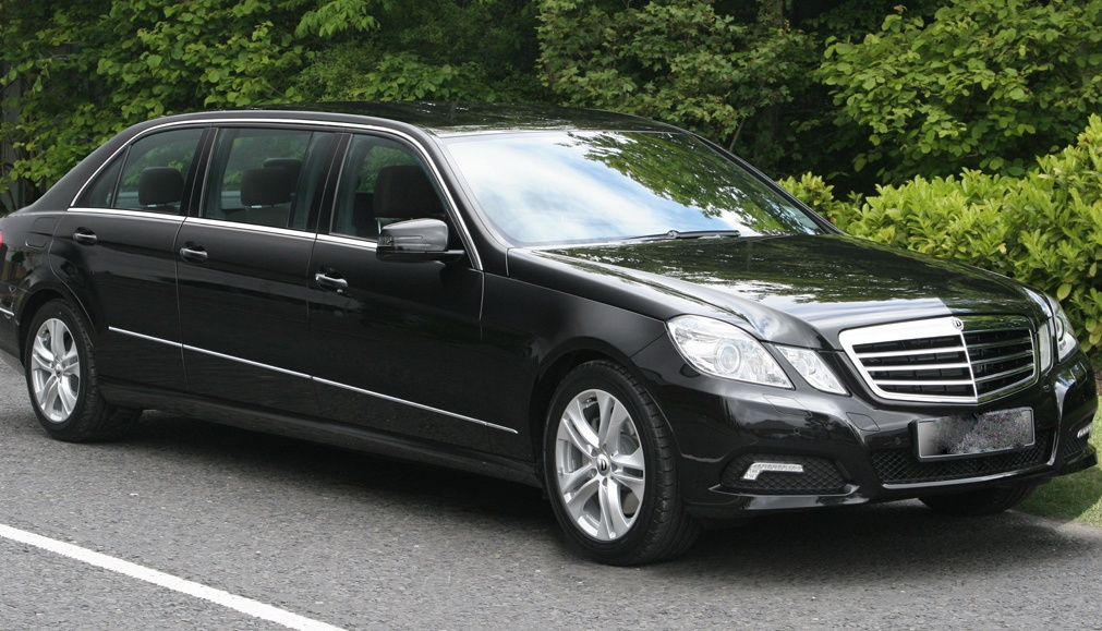 mb-w212 limo 6dr-front-a4-low res Cropped (1)
